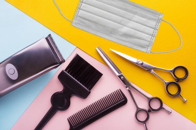 Hairdressing equipment plus mask
