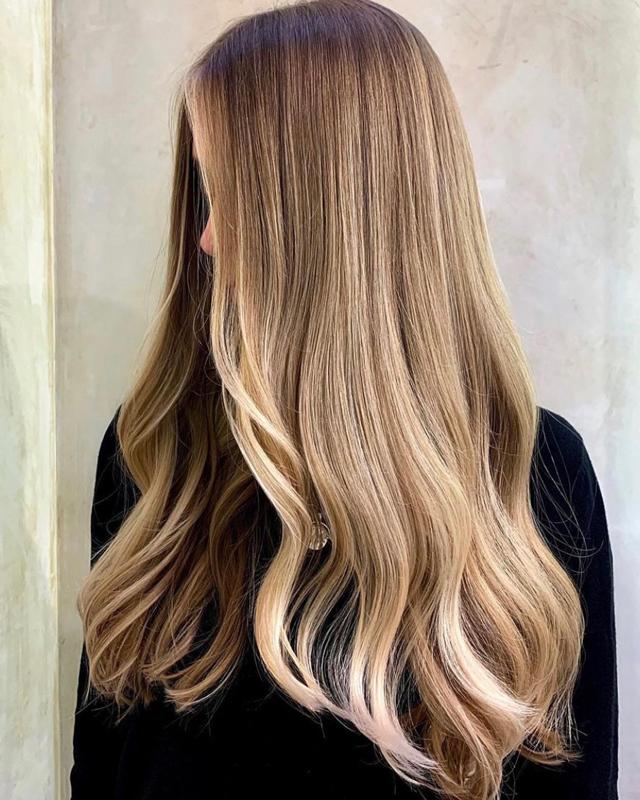 Dirty-luxe blonde hair colour