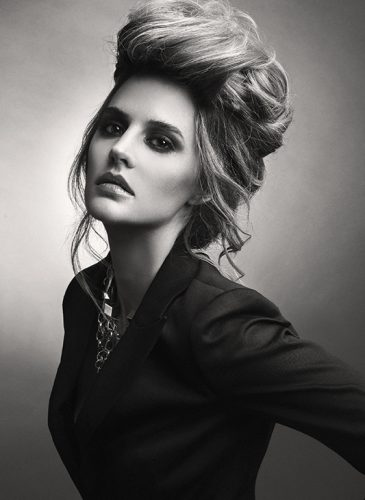A voluminous updo from 'the collection Crescent' by Ivan Rodríguez