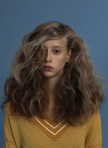 A model with heavy, voluminous bronde waves from the 'University Year Book' collection by Bert de Zeeuw