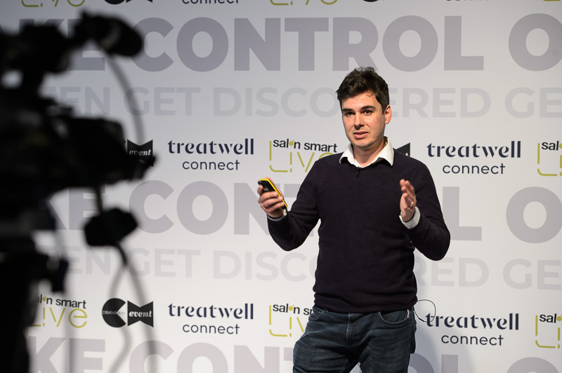 Raul Spilca from Treatwell on stage at Salon Smart Live 2021