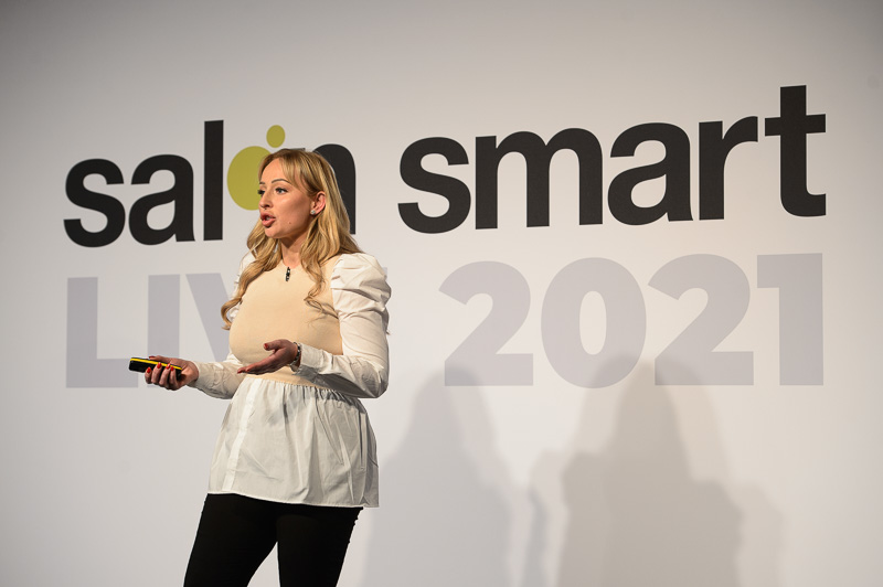 Traci Witherington, owner of The Glamour Garage, on stage at Creative HEAD Magazine's Salon Smart Live 2021